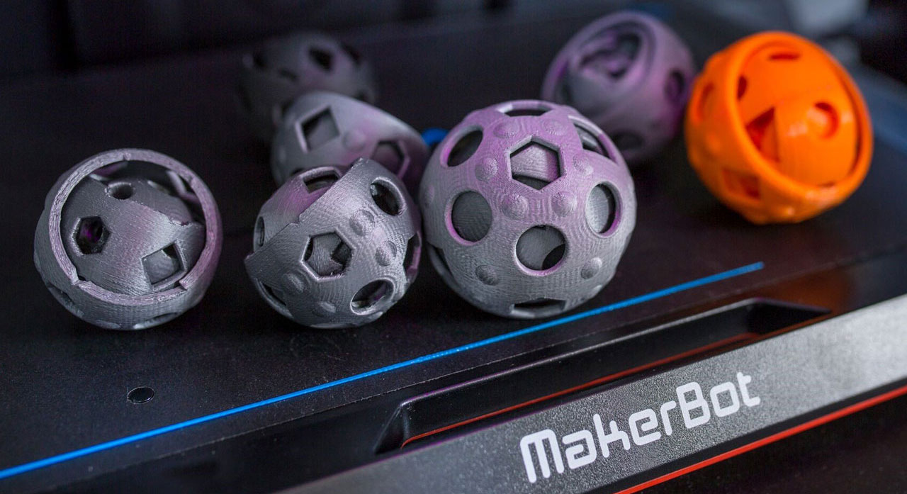 Ypsillon Therapiekugeln aus dem MakerBot Replicator+