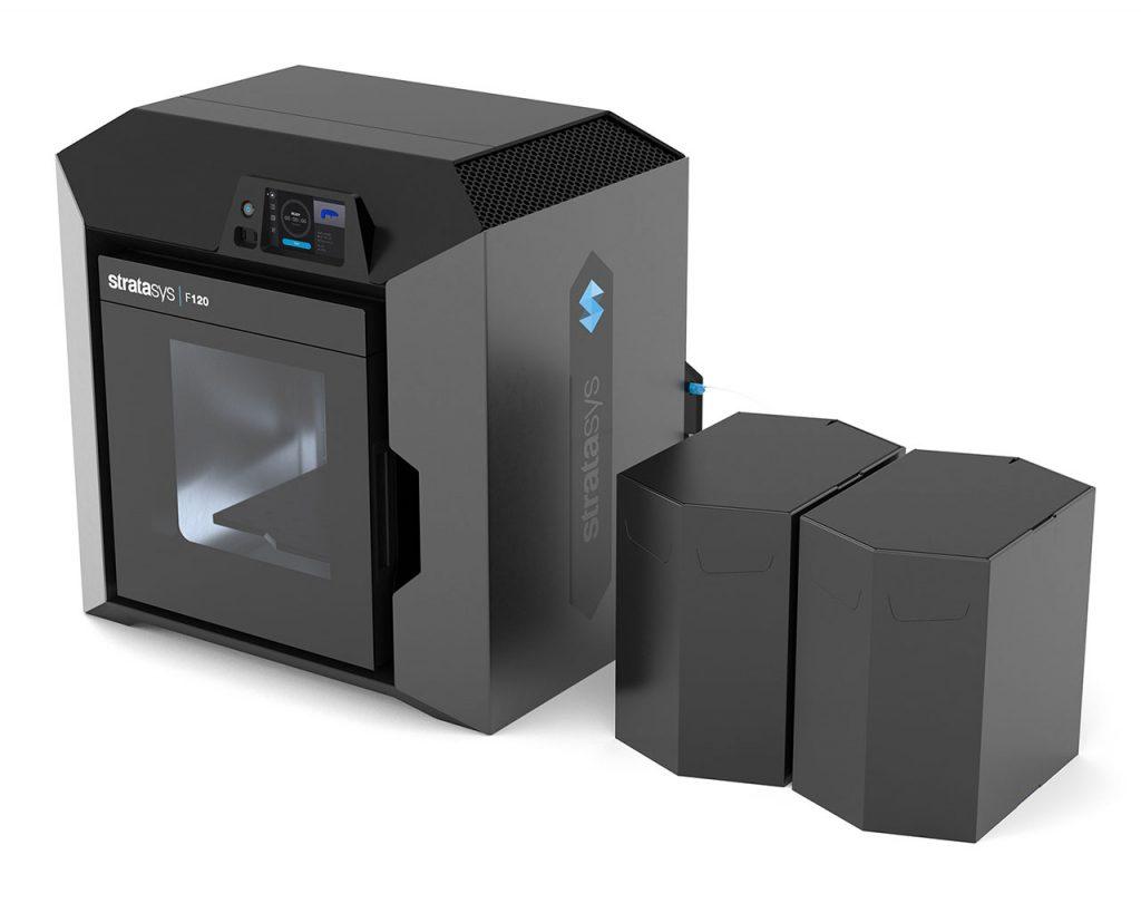 Der große Materialvorrat wird außerhalb des Druckers platziert – Stratasys F120