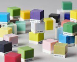 Der Stratasys J55 Design 3D Drucker ist die Büro-Lösung für Pantone-Farben im 3D-Druck.