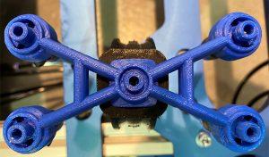 Mit dem Stratasys F370 können innerhalb weniger Stunden neue Greifwerkzeuge hergestellt werden.