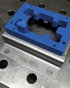 Das technisch hochwertige ABS-Material ist das Material der Wahl von mawe presstech, da es alle Kriterien für die zweckmäßigen Vorrichtungen erfüllt.