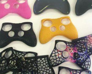 Shuvom Ghose erstellte ein Dutzend verschiedenfarbige 3D-Design-Prototypen